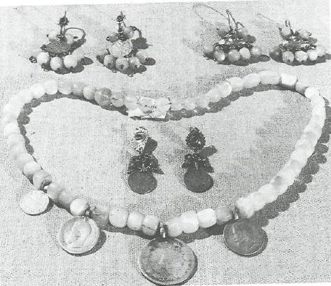 Серьги, ожерелье. Начало XX в. Курская губ.